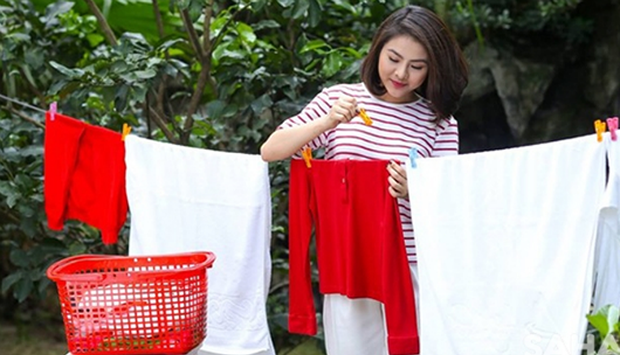 Bí quyết phơi quần áo nhanh khô, thơm tho hơn
