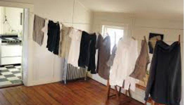 Bí quyết phơi quần áo trong nhà nhanh khô vào mùa mưa